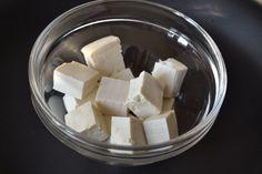 ¡El tofu, un producto estrella para el colectivo vegetariano! Sabías que el tofu es una fuente de calcio y proteinas, aporta pocas kcal y es bajo en grasa.  http://www.movimientomediterraneo.com/nutricio/content/tofu-un-producto-estrella-para-colectivo-vegetariano #tofu #alimentos #nutrición #vegetariano #vitaminas #minerales #ecológico #salud #bienestar