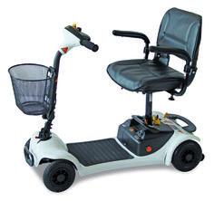 L'Ultralite 480 è uno scooter elettrico per anziani e disabili trasportabile. Con il suo design compatto e leggero, il 480 garantisce a indipendenza in ogni momento, se si è fuori per shopping o semplicementea visitare amici e parenti. Questo scooter ha una reputazione provata per design e affidabilità eccezionali. Facile da trasportare, l'Ultralite 480 può essere smontato in pochi secondi, […]