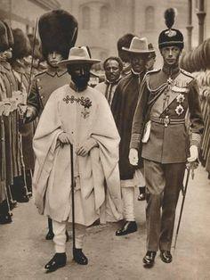 Photographic Print: Ras Tafari, Prince Regent of Ethiopia (Emperor Haile Selassie) with the Duke of York, 1924 : Rastafari Art, History Of Ethiopia, Black King And Queen, Black Royalty, Haile Selassie, African Royalty, Duke Of York, Lion Of Judah, Black History Facts