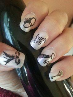 7 diseños de uñas diferentes sobre 50 sombras de Grey | Decoración de Uñas - Manicura y Nail Art