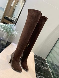 Louis Vuitton over knee thigh high boots Louis Vuitton Boots, Gucci Men, Famous Brands, Thigh High Boots, Best Brand, Brown Boots, Manolo Blahnik, Giorgio Armani, Salvatore Ferragamo