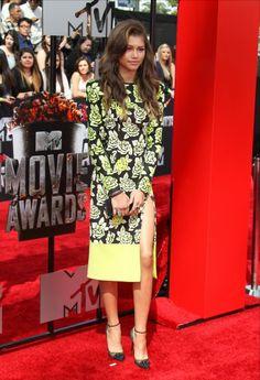 Zendaya Debby Ryan MTV Movie Awards - http://oceanup.com/2014/04/13/zendaya-debby-ryan-mtv-movie-awards/