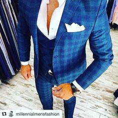 with ・・・ As a total I freaking love the accents on this suit 🔥🔥🔥… Mens Fashion Suits, Mens Suits, Boy Fashion, Designer Suits For Men, Windowpane Suit, 3 Piece Suits, Suit And Tie, Gentleman Style, Look Chic