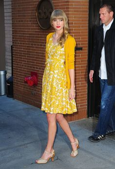 A style goal for 2014: try the ladylike look a la Taylor Swift (and this cheerful yellow dress!)