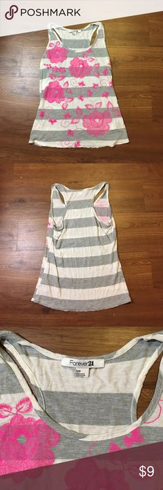 Forever 21 Tank Top Cute and ready for summer, floral Forever 21 Tank Top Forever 21 Tops Tank Tops