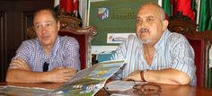 El concejal de Deportes, José Manuel Estévez, acompañado por el presidente del Club de Fútbol Motril, Manuel García Albarral, ha presentado los tres partidos de pretemporada