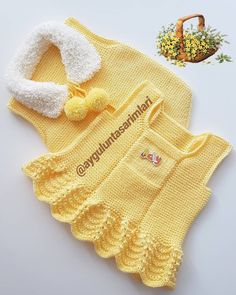 Baby Knitting Patterns, Baby Sweater Knitting Pattern, Baby Vest, Baby Cardigan, Baby Girl Crochet, Crochet For Kids, Knitted Baby Clothes, Crochet Coat, Baby Sweaters