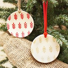 These mini stenciled plate ornaments are super simple, yet allow for personalization and a handmade gift.