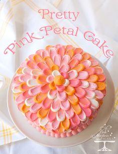 Pretty Pink Petal Cake – A Wilton Cake Decorating Technique Hübscher rosa Blumenblatt-Kuchen - Wilton Cakes, Cupcake Cakes, 3d Cakes, Fondant Cakes, Decoration Patisserie, Dessert Decoration, Cake Decorating Techniques, Cake Decorating Tutorials, Sweets