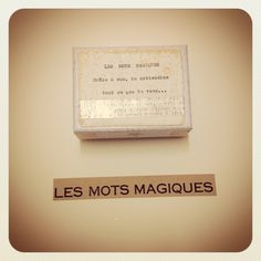 """Boîte à Bonheur """"Les mots magiques"""" Cadeau de Noël Poétique"""