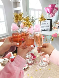 brunch ideen Looking for a fun Galentine's Day idea? Find out how to throw a cozy Galentine's Day brunch. Brunch Party Decorations, Brunch Decor, 18 Birthday Party Decorations, Birthday Ideas, Birthday Goals, Birthday Outfits, Birthday Quotes, Valentinstag Party, 23rd Birthday