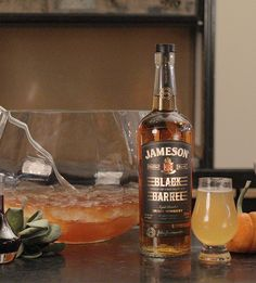 Toast the change in seasons & celebrate Fall with a Pumpkin Cocktail Kit featuring Jameson Black Barrel Whiskey. It has everything you need to create the drinks & share them with your friends. Discover our exclusive prices & get free shipping!
