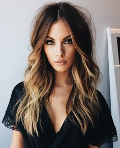 Balayage hair is suitable for light and dark hair, almost all lengths except very short haircuts. Today I want to show you the most gorgeous balayage hair dark color ideas. Balayage has become the biggest trend in recent seasons, and it's not over Hair Color 2018, 2018 Color, Balayage Highlights, Color Highlights, Balayage Color, Ombre Color, Face Frame Highlights, Front Highlights, Fall Balayage