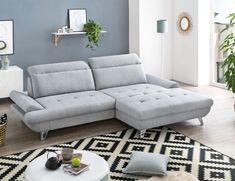Dank seines cleanen Designs lässt sich die Sitzgruppe perfekt auf das vorhandene Wohnkonzept abstimmen. Und liegt dabei voll im Trend. Mehr dazu auf leiner.at // Wohnzimmer einrichten // Wohnzimmer Ideen // Interior Trends // Wohnideen // Einrichtungstipps Wohnzimmer // Sofa // Couch // Polstergarnitur // Sofa Couch, Old Memes, Textiles, Image House, Bed, Furniture, Komfort, Home Decor, Designs