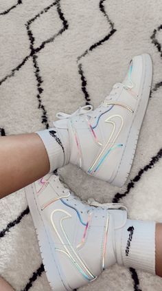 Jordan Shoes Girls, Girls Shoes, Basket Style, Nike Shoes Air Force, Aesthetic Shoes, Cute Sneakers, Hype Shoes, Fresh Shoes, Mode Streetwear