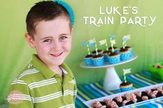 Choo Choo! Lukes Train Party was a blast! Check out this DIY affair *plus* an awesomely bad cake fail!