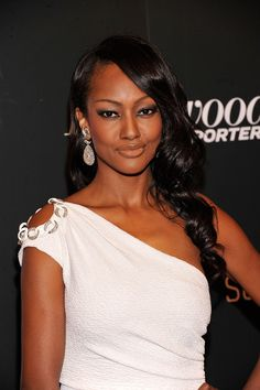 """Nichole Galicia -- (3?/27?/1975-??). Panamanian-American Actress & Model. Pepper in TV Series """"Huff"""". Movies -- """"Love Don't Co$t a Thing"""" as Yvonne Freeman and """"Django Unchained"""" as Sheba."""
