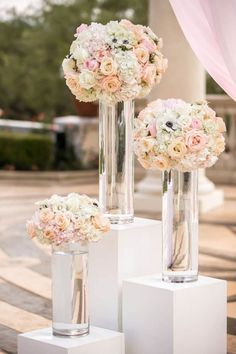 Altar of floral arrangements for the wedding ceremony - Welcome to our website… - Wedding Deco - - Wedding Ceremony Flowers, Wedding Flower Arrangements, Wedding Bouquets, Floral Arrangements, Church Wedding Decorations, Wedding Centerpieces, Wedding Table, Wedding Church, Altar Wedding