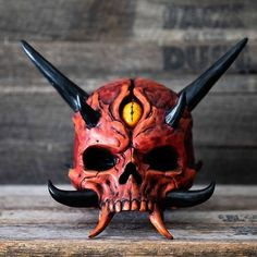 Oni Skull sculpted using Digital and hand sculpting techniques by Andrew Firth and Furio Tedeschi. Crane, Monster Mask, Faye Dunaway, Skull Artwork, Dark Art Drawings, Arte Horror, Maquillage Halloween, Masks Art, Doll Repaint
