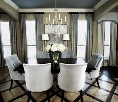 Contrasting Blue Dining Room Ceiling