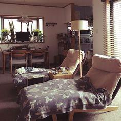 ず~っと座っていたい♡とびきりリラックスできるソファ   RoomClip mag   暮らしとインテリアのwebマガジン Single Sofa, Be Perfect, My House, Ikea, Interior, Table, Room, Furniture, Home Decor