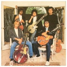 The Traveling Wilburys: Roy Orbison, George Harrison, Bob Dylan, Tom Petty, and Jeff Lynne! Loved their music! Rock And Roll, Pop Rock, Bob Dylan, Blues, Kinds Of Music, Music Is Life, My Music, Mundo Musical, Alternative Rock