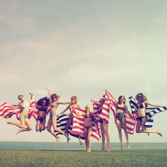 """Pin for Later: Like It or Not, 2015 Was the Year of Taylor Swift's Squad When They Celebrated Independence Day With Matching Beach Towels """"Happy 4th from me, @gigihadid, @marhunt, @britmaack, @serayah and @haimtheband :)"""""""