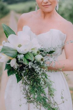 Beautiful Bouquets, Bridal Style, Things To Come, Leaves, Bride, Wedding Dresses, Unique, Floral, Green