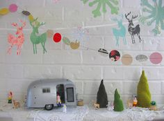 a fun alternative take on the miniature holiday village display Christmas In July, All Things Christmas, Vintage Christmas, Tropical Christmas, Vintage Winter, Christmas Carol, Merry Christmas, Holiday Crafts, Holiday Fun