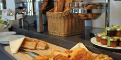 Petit-déjeuner bio à l'hôtel Mareuil  #Mareuil #HotelMareuil #LeMareuil #Hotel #Paris #Bio #Petitdejeuner #Breakfast #croissant #baguette #French