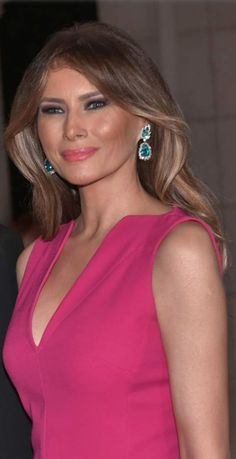 With the First Lady gearing up for her big move to D. this summer, here are a few amazing facts about Melania Trump you probably had no idea about! Donald Trump Family, Donald And Melania Trump, First Lady Melania Trump, Trump Melania, Melania Trump Pictures, Milania Trump Style, Melania Knauss Trump, Malania Trump, American First Ladies