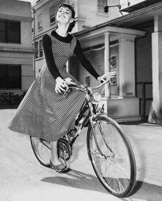 Audrey, Victoria Classic bicycle