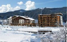 The ski area Saalbach Hinterglemm Leogang offers nearly endless slopes for all levels of difficulty Best Resorts, Winter Is Coming, Outdoor Pool, Car Parking, Hotel Offers, Terrace, Skiing, The Outsiders, Wi Fi
