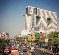 The Chang Building, aka the Elephant Building, Bangkok, Sumet Jumsai, 1997  Photo by Dirk Verwoerd