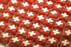 Schweiz, Zuerich, Confiserie Spruengli, National Day of August Zermatt, Swiss National Day, Countryside Fashion, Swiss Miss, Mountain Style, Frozen, Toned Paper, Most Favorite, Mini Cakes