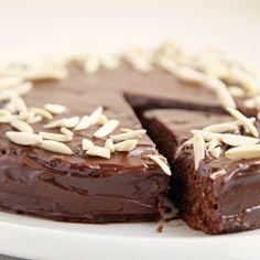 Reine de Saba: A Cake Fit For a Queen
