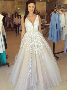 Princess V-neck Tulle Floor-length Appliques Lace Beautiful Prom Dresses