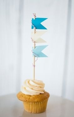 Pennant Flag Cupcakes | Nautical Wedding DIY - Lover.ly