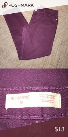 Burgundy pants Size 13 Juniors fits a women size 8-10. Used but good condition. No Boundaries Pants Skinny