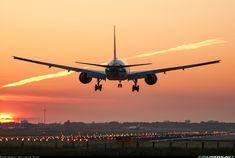 Boeing 777-206/ER aircraft picture