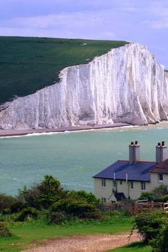 Seven Sisters Cliffs, near Seaford town, East Sussex, England . seen at the end of the movie Atonement Places Around The World, Oh The Places You'll Go, Places To Travel, Places To Visit, Around The Worlds, East Sussex, White Cliffs Of Dover, Dover White, England And Scotland