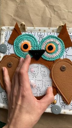 Diy Quiet Books, Baby Quiet Book, Felt Quiet Books, Quiet Book Templates, Quiet Book Patterns, Baby Crafts, Felt Crafts, Quilt Book, Felt Art