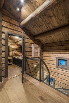 OPPLEV NYE RØROSHYTTA VISNINGSHYTTE! | FINN.no Chalet Design, House Design, Cabin Homes, Log Homes, Wood Interior Walls, Cabana, Norway House, Small Tiny House, Cottage Interiors