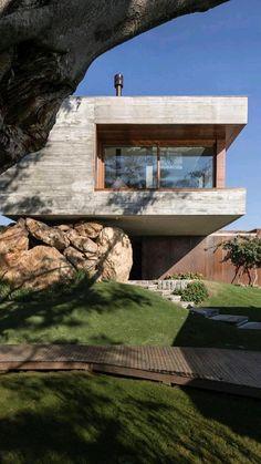 Concrete Facade, Concrete Architecture, Concrete Houses, Amazing Architecture, Modern Architecture, Concrete Structure, Building A Container Home, Forest House, Modern House Design
