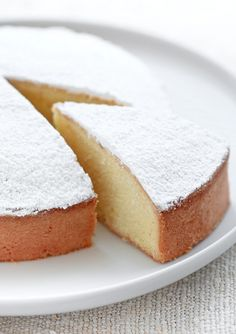 Breakfast at Tiffany's: Torta paradiso senza burro / Soft Italian cake wit. Food Cakes, Cupcake Cakes, Cupcakes, Sweet Recipes, Cake Recipes, Dessert Recipes, Just Desserts, Delicious Desserts, Torte Cake