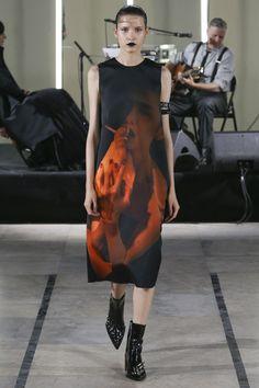 Yang Li Spring 2018 Ready-to-Wear  Fashion Show