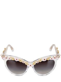 LUXURY LUST: SUN-KISSED SHADES! Dolce & Gabbana - Flowers embellished cat eye sunglasses http://www.hiphunters.com/shop/dolce-and-gabbana-flowers-embellished-cat-eye-sunglasses/53506bb9bad0206418569a11