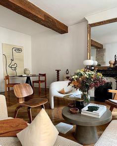 Boho Chic Living Room, Cozy Living Rooms, Home And Living, Living Room Decor, Living Spaces, Interior Design Inspiration, Home Decor Inspiration, Simple Interior, Home Decor Furniture