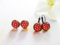 Brass earrings with heart polka dots and glass cabochons, studs or hanging, antique style brass, kitsch rockabilly jewelry, Selma Dreams by SelmaDreams on Etsy