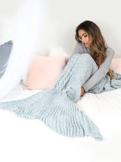 Warm Crocheted/Knitted Mermaid Tail Blanket